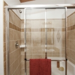 54in-Ceramic-shower-with-seat