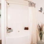 7c-Master-bath-garden-tub